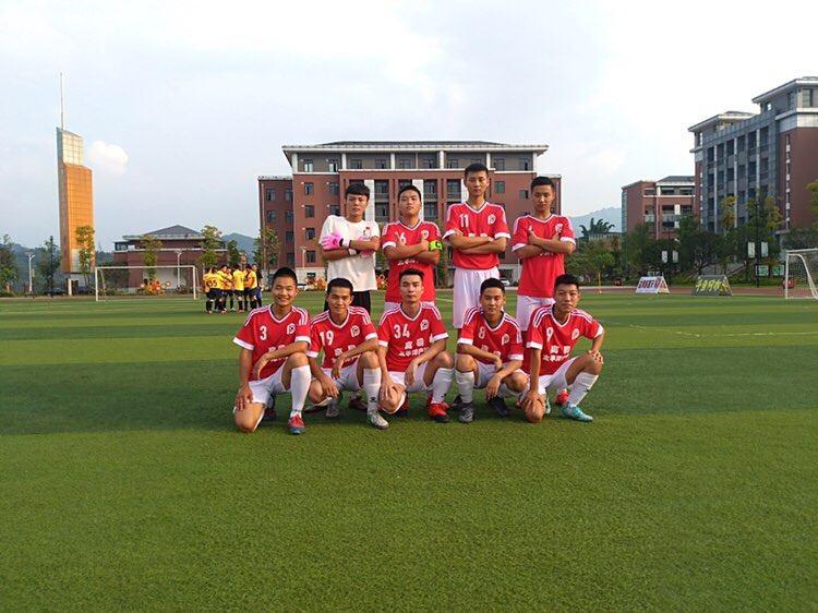 马明宇足球学校_苏宁足球青训学校_学校需要购买一批篮球和足球